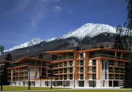 <p>Az újonnan épült Hriebienok üdülő a Magas-Tátra szívében Ótátrafüreden található.</p>