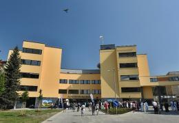 <p>V nemocnici ve Frýdku-Místku, jejímž zřizovatelem je Moravskoslezský kraj, vyrostl nový moderní pětipatrový pavi</p>