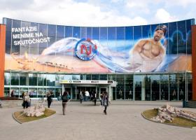 <p>Do prvního moderního obchodního centra v nitranském regionu – OC Centro Nitra, s rozlohou přes 30 000 m<sup>2</sup></p>