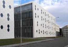 <p>Do zbrusu nové a moderní budovy Národního centra fyzikálních a technologických věd na Univerzitě ve Vilniusu, s </p>