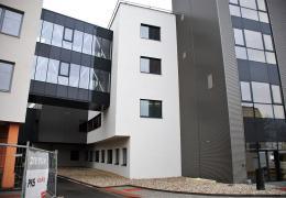 <p>Nový pavilon chirurgických oborů (PCHO) v Nemocnic Třebíč je největší investiční akcí Kraje Vysočina ve zdravotn</p>