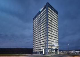 <p>AFI CITY - это административное высотное здание с 19 надземными и 3 подземными этажами и общей арендуемой площад</p>