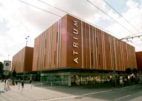 <p>The generously designed shopping center meets all the requirements of a modern shopping center.</p>