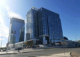 <p>Budova obchodního centra ve třídě A energetické náročnosti se nachází v hlavním městě Astana, v blízkosti meziná</p>