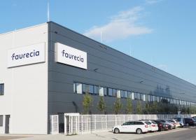 <p>Faurecia Pardubice является частью многонациональной группы Faurecia, специализирующейся на производстве текстил</p>