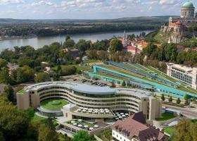 <p>Four-star superior hotel opening in summer 2021 in the picturesque surroundings of the island of Prímás in the c</p>