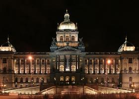 <p>Historická budova Národního muzea prošla generální rekonstrukcí, první návštěvníky znovu přivítá 28.</p>