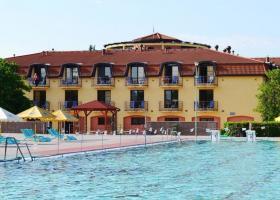 <p>Termální komplex s bazény pro rekreaci a odpočinek v obci Štúrovo, s komfortním hotelovým ubytováním a možnostmi</p>