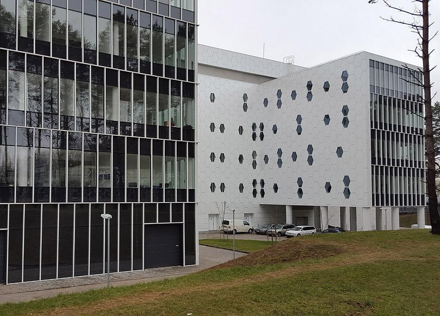 Reference LT Národní centrum fyzikálních a technologických věd